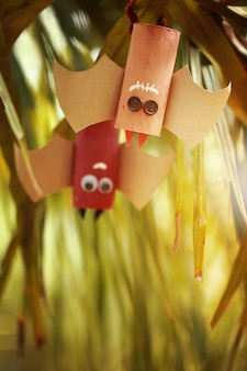 Couple de chauves-souris en papier de halloween.halloween concept.