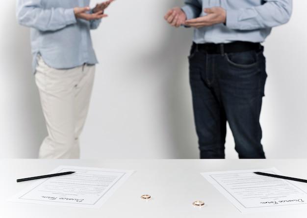 Couple, discuter, divorce, ensemble