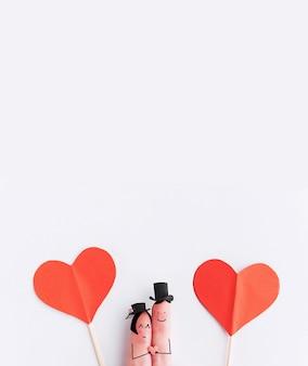 Couple de doigt heureux amoureux