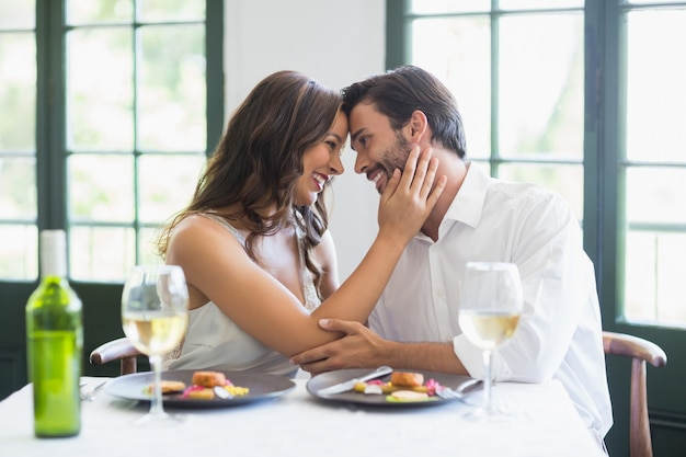 Couple, embrasser, autre