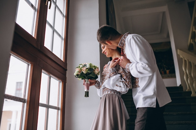 Couple de fiançailles de mariage
