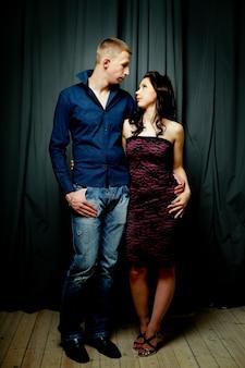 Couple, homme et femme, amour, passion, vraies personnes, portrait d'art