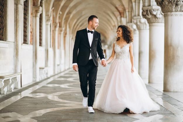 Couple de mariage à venise