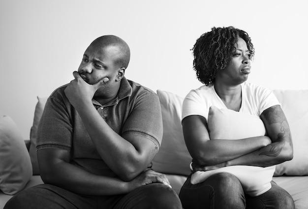 Couple noir ayant un argument