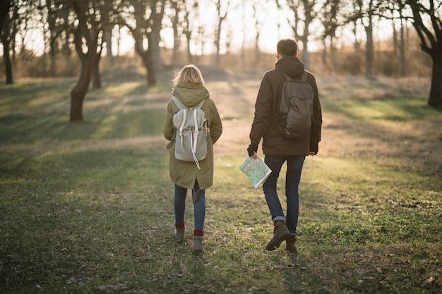 Couple en plein air