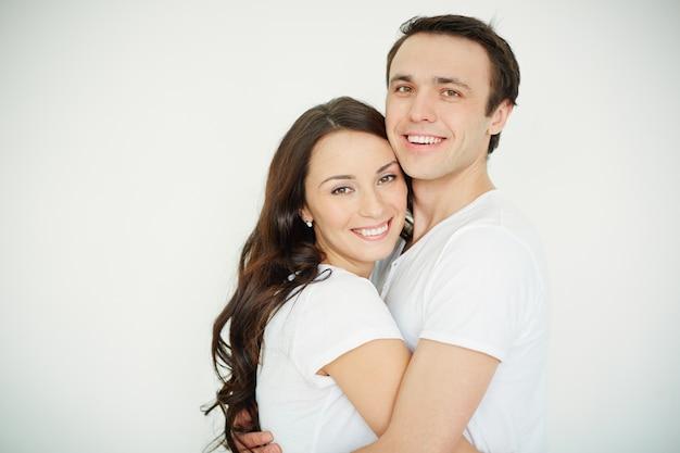 Couple plein de bonheur