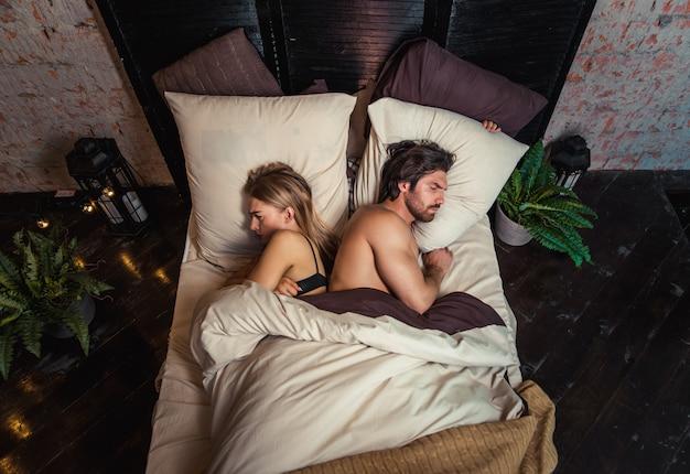 Couple avec problèmes relationnels
