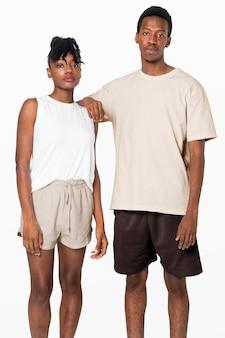 Couple en pyjama mode vêtements de nuit de base