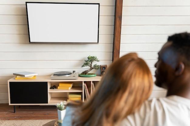 Couple regardant un film sur netflix