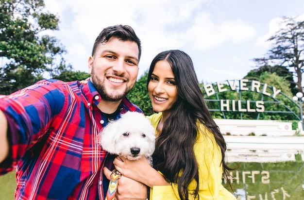 Couple selfie à beverly hills