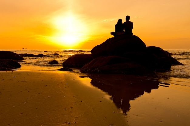 Couple en silhouette