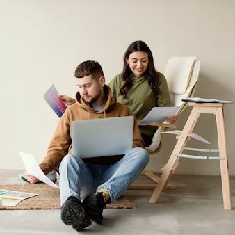 Couple de tir complet avec ordinateur portable