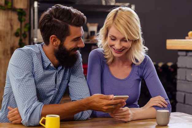 Couple, utilisation, smartphone