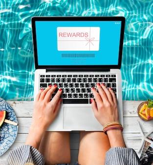 Coupon de récompenses chèque-cadeau shopping concept