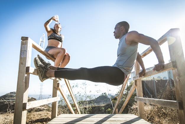 Coureurs faisant du fitness