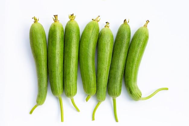 Courge éponge Verte Fraîche Ou Guindant. Photo Premium