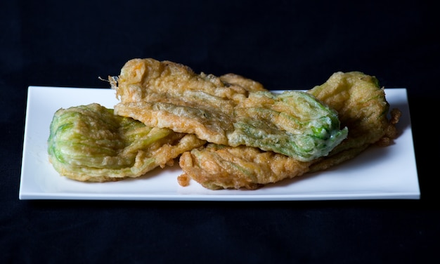 Courgette fleurie en tempura