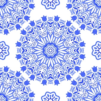 Couronne ornementale de flocon de neige artistique aquarelle dessiné à la main. peut être utilisé comme carte de noël ou fond, carreaux de tissu et de céramique, vaisselle