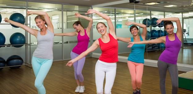 Cours de zumba dansant en studio