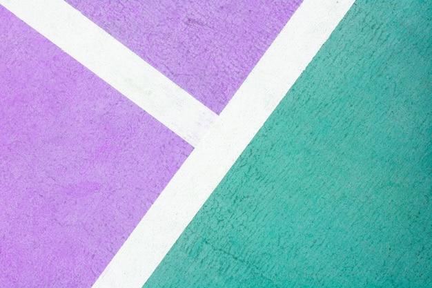 Court de tennis violet et vert - gros plan