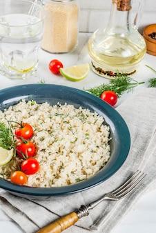 Couscous aux légumes frais et aux herbes