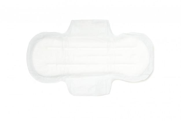 Coussin sanitaire isolé sur une surface blanche