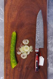 Couteau de cuisine japonais très tranchant