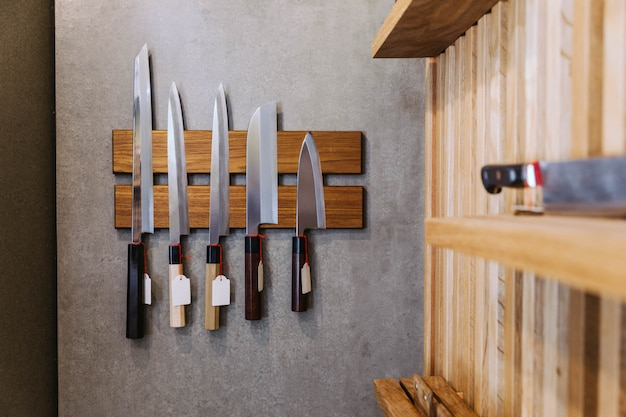 Couteaux de cuisine japonais tranchants