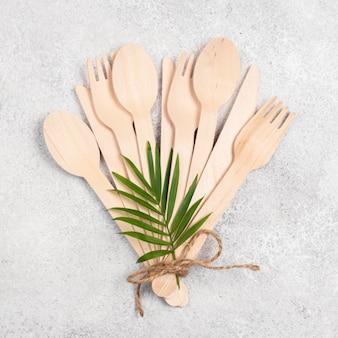 Couverts liés à la vaisselle en papier jetable écologique