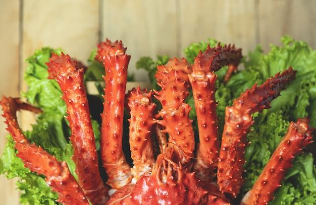 Crabe royal de l'alaska cuit