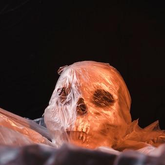 Crâne effrayant en matière plastique