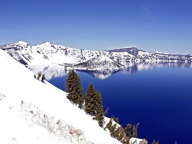 Cratère oregon usa hiver lac paysage profonde