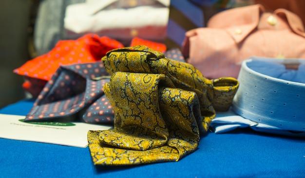 Cravates et chemises