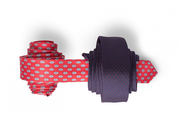 Cravates rouges et bleues