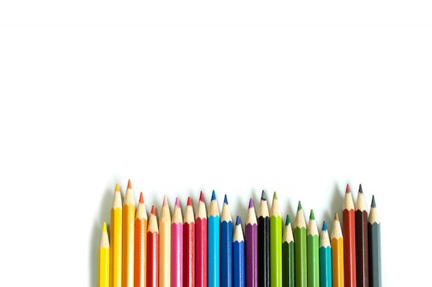 Crayon de couleur sur fond blanc isolé.