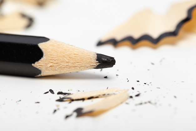 Crayon sur fond blanc