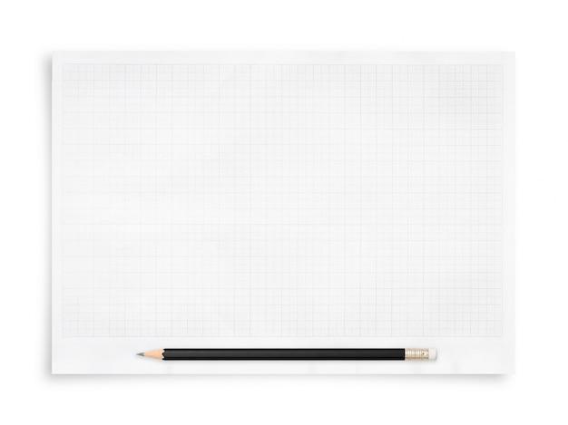 Crayon noir et feuille de papier blanc isolé sur fond blanc.