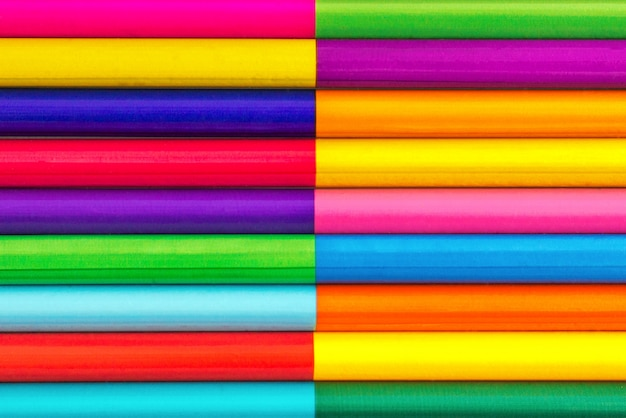 Crayons de couleur, fond