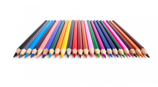 Crayons de couleur isolés sur un blanc