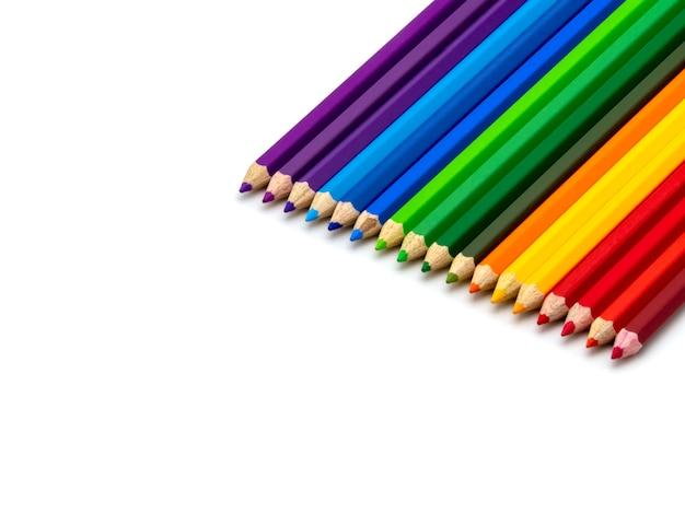 Crayons de couleur isolés