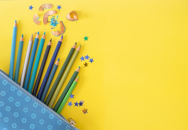 Crayons couleurs froides