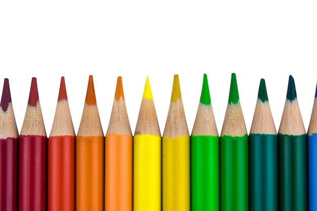Crayons disposés dans une rangée