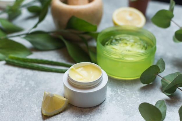 Création de cosmétiques naturels à base de plantes, naturels.