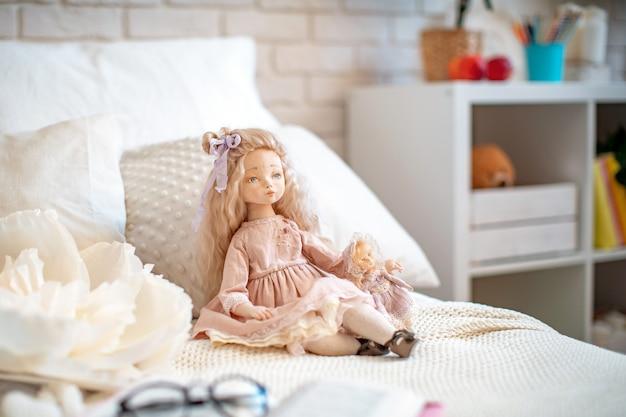 Création de poupées pour les vacances du nouvel an.