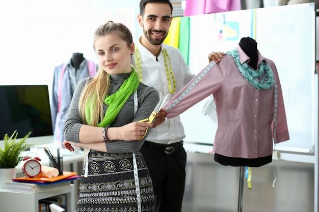 Création de vêtements uniques exclusifs en couture