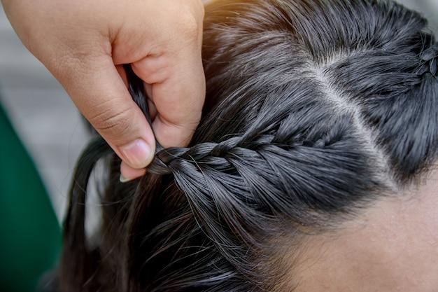 Créer de l'art sur les cheveux