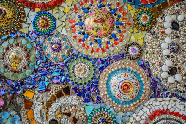 Créer un motif mural en céramique