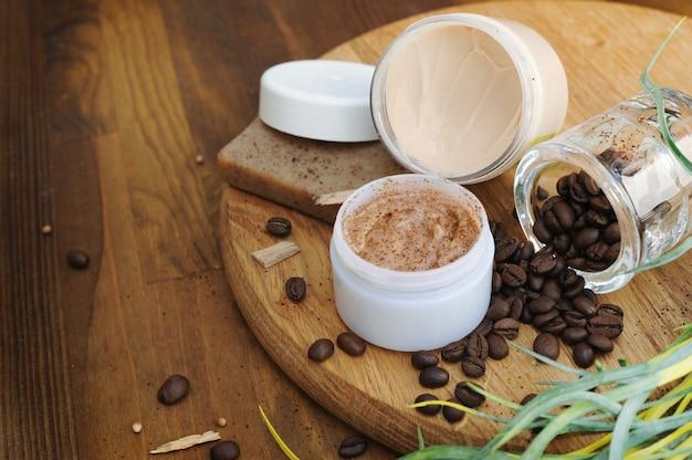 Crème bio, savon et gommage, cosmétiques naturels