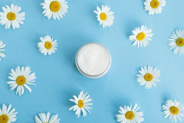 Crème cosmétique aux marguerites