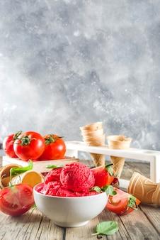 Crème glacée aux tomates